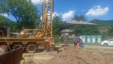 Photo of სოფელ ფიჩხოვანში სასმელი წყლის ჭაბურღილის მოწყობის სამუშაოები მიმდინარეობს